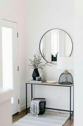 Skandinavisches Dekor mit Spiegeln – #Dekor #minimalist #mit #Skandinavisches #S…