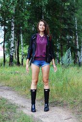 Daria trägt ihre Gummistiefel 1Daria sieht wirklich lecker aus, wenn sie ihre Gummistiefel trägt … – Fashion Wellies