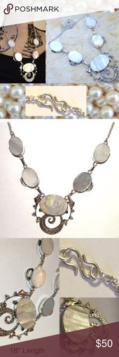 Mother Of Pearl Vintage BIB Statement Necklace Han…