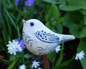 Pequeño ** pájaro de cerámica ** modelado libremente ** en tonos azul grisáceo hecho de …   – alles vogel