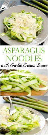 Nouilles aux asperges avec sauce à la crème à l'ail