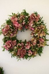 Hydrangea wreath & workshop room