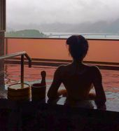 Foggy morning soak ups done right in #Onsen #HOTsp…