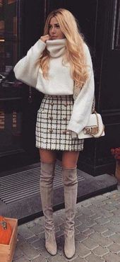 Best case outfit idea with a tweed skirt