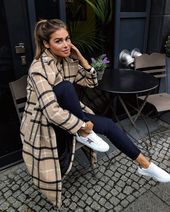 "Angelina Lilienne na Instagramie: ""Love my new coat Delia Kelley 🐻#streetst"