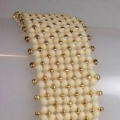 Bracelet Flat Chenille Stitch Tutorial from BeadingDaily.com #ArmbandFlat #Beading …