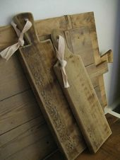 Kitchen: Vintage Cutting Boards as Decor