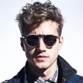 Cool men's hairstyles for wavy hair