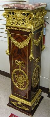 682: louis xvi style ormolu-mounted kingwood pedestal