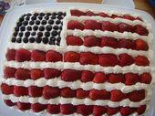 Flag Cake-Dies könnte ein 4. Juli Kuchen sein, aber ich machte es für meinen Freund, der jus …