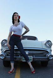 Pinup model retro pin-up pin-up girl Kustomblr Vintage Car Classic Car Antique C…