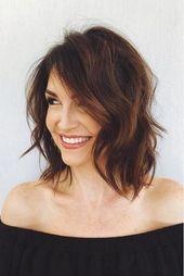 Kurze Frisuren, die Ihren Look in jedem Alter auffrischen RX_1809_Kurze Frisuren für Frauen über 50_Textured Shoulder Cut