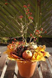 Herbstgesteck mit Hagebutten Filz und Garten – Gartenblog: Herbstgesteck mit Hagebutten – New Ideas