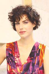 32 kurze Haarschnitte für welliges Haar mit schönem Aussehen »Supercoiffures.com