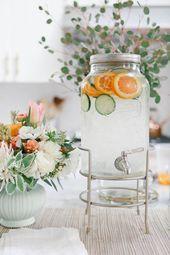 eau infusée, jolies fleurs. idéal pour une réception de mariage ou une douche…