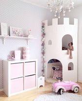 Rosa Zimmer für kleine Mädchen mit einem Schlossturm zum Lesen und Aufbewahren – M T