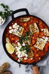 Aubergine-zoete aardappel schotel met kikkererwten en harissa – Feelgoodbyfood
