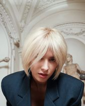 Frech, cool, klassisch: der Bob ist und bleibt bei den Damenfrisuren DER Trendsetter. #frisuren #damen #kurz #blond #duenn