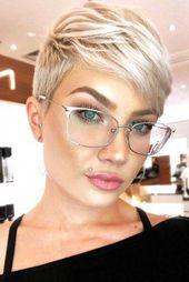 Pixie Cut With A Side Bang #bangs #pixie #shorthairideas – short hair ideas
