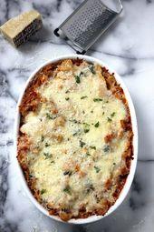 Super Cheesy Kale und geröstete Paprika Nudelauflauf   – stuff – #Cheesy #gerö…