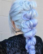 Prinzessin Frisur mit blauer Haarfarbe   – Couleur cheveux
