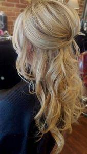 Cheveux de mariage coiffure chignon demi-hauteur moitié épinglé mariée mariée bouclée # 2   – Lockige Frisuren