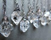 Zierliche Boho Halskette – grüne Stein Halskette – Jaspis Halskette – Teardrop Halskette – Stein Schmuck – Boho Stein Halskette – Stein Anhänger