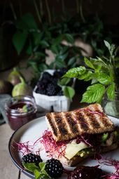 Ein Sandwich Rezepte, schnell, sehr gesund und vegetarisch. Man kann es kalt ode…