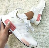"""simpleclothesv: NMD Fashion Sneakers """"Adidas"""" im Trend bei Laufsportschuhen in Weiß-Pink"""
