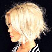 Idee Abkürzungs Trend Frau 2019 kurze quadratische Muster auf degradierten Haar glatt mit Volumen und dunklen Wurzeln