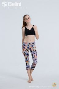 Yoga Capris in multi