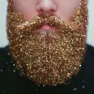 The most glittery beard weve ever seen. (This would NEVER wash out right?)