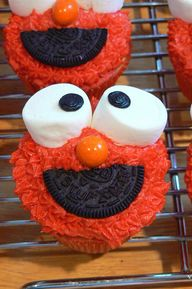 Elmo Birthday Cupcak