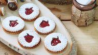 Acorn Linzer Sandwich Cookies