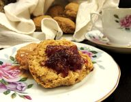 Vegan scones with ja