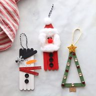 Popsicle Stick Christmas Ornaments - make these fun popsicle stick Christmas crafts! Make a snowman, Santa or Christmas tree!