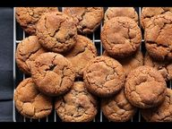 Molasses Cookies : C
