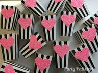 Valentine popcorn boxes with glittered heart, set of 10, Wedding, Showers, Birthday party