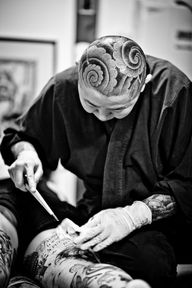 Tattoo artist Horire