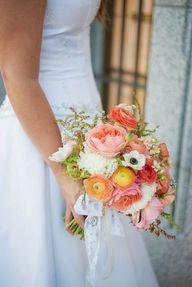 Lush Coral Bouquet o