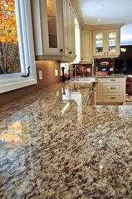 Traditional Antique White Kitchen Cabinets #11 (Kitchen-Design-Ideas.org)