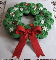 Wreath cupcakes...ok