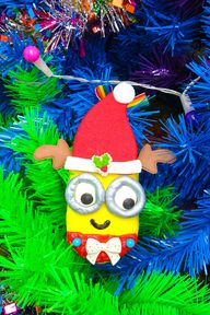 DIY Holiday Edible Minions Ornaments 17
