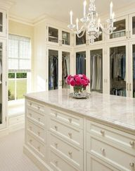 VISUELLE: Feminine Walk-In Closet Design Ideas