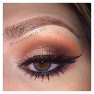 Bronze smokey eye ma...