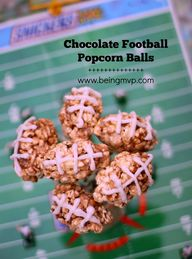 SNICKERS® Football P