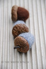 Felted acorn tutoria