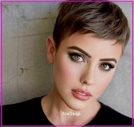 We Found 40 Amazing Ways to Style Your Short Hair for Day or Night Very cute haircut for short hair  #Full-Volume #Clip-On #Piece #Paula #Young® #Beneficial