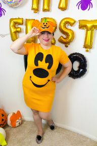 5 Minute DIY Mickey Pumpkin Mommy & Me Costume!
