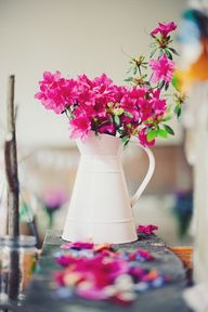 hot pink centerpiece